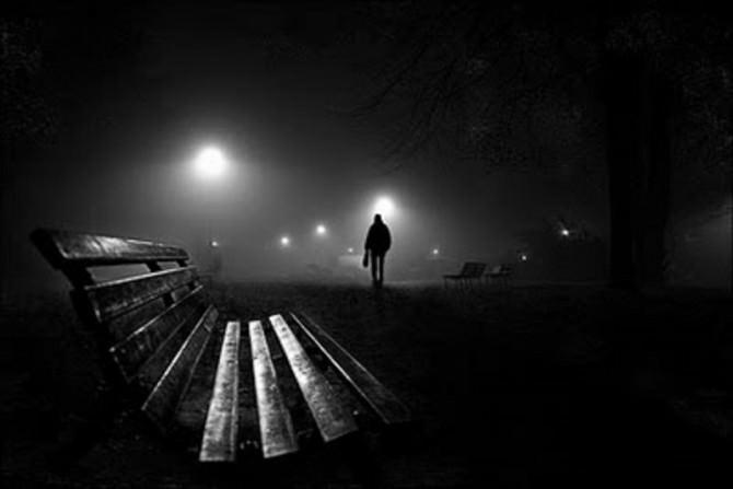 panchina-buio-notte-camminare-paura
