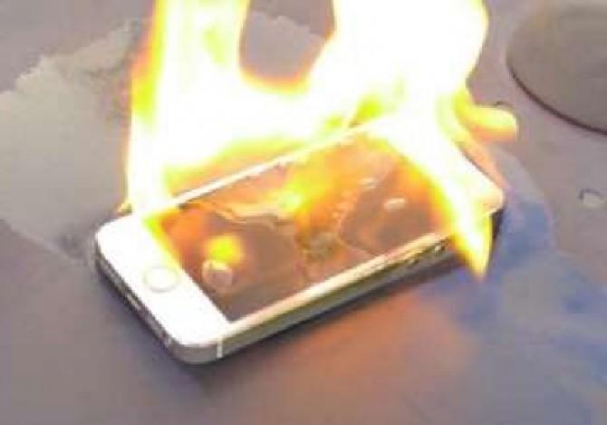 smartphone-fuoco-4-775368_tn
