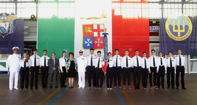 studenti-duca-abruzzi-con-capitano-leoni