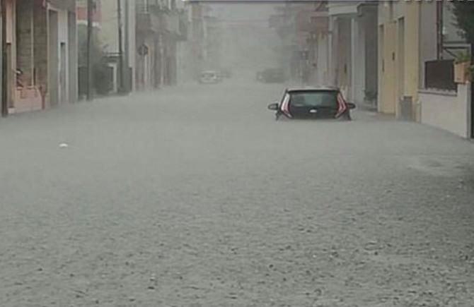 Violento nubifragio nel siracusano: Noto sommersa dalla pioggia. LE IMMAGINI