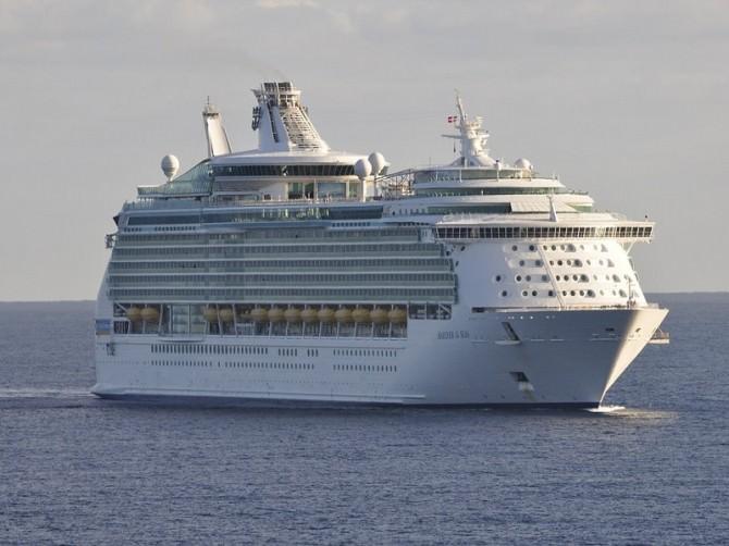 cruise-ship-112002_960_720