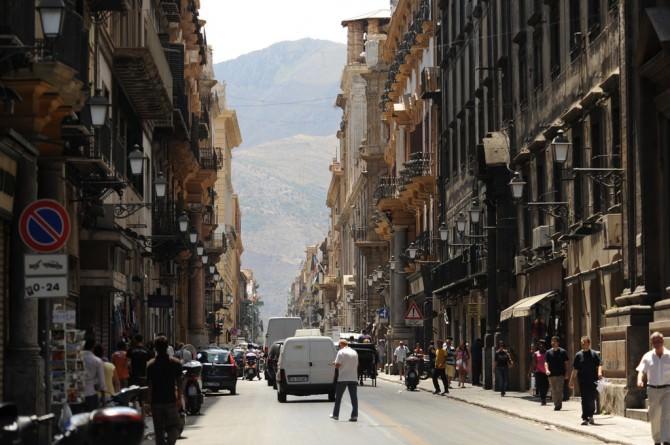 Via Maqueda, Palermo