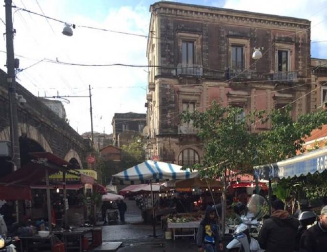 Catania, dopo la chiusura di via Dusmet rischia anche la tradizionale pescheria