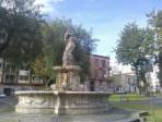 Il degrado della III municipalità: piazza Cavour, il parco Madre Teresa e i dossi artificiali
