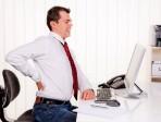Postura corretta davanti il computer: come dire addio al mal di schiena