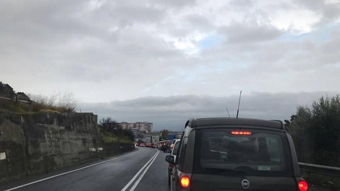 Incidente sulla Paternò- Catania: lunghe code e traffico in tilt