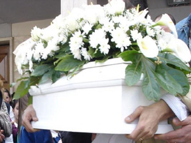 i-funerali-della-piccola-sara