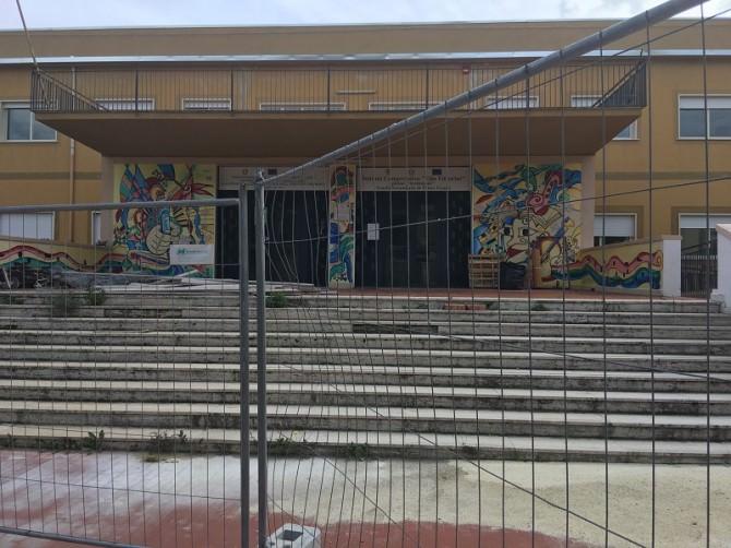 """Sopralluogo Maria Marzana nelle scuole di Solarino: """"Lo stato degli edifici è un bollettino di guerra. Chiederò risposte al sindaco"""""""