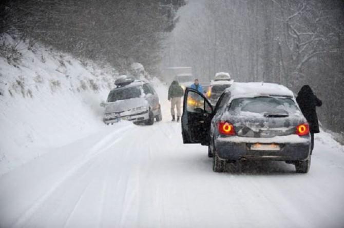 neve-alcuni-consigli-per-chi-si-mette-alla-guida-3bmeteo-76284