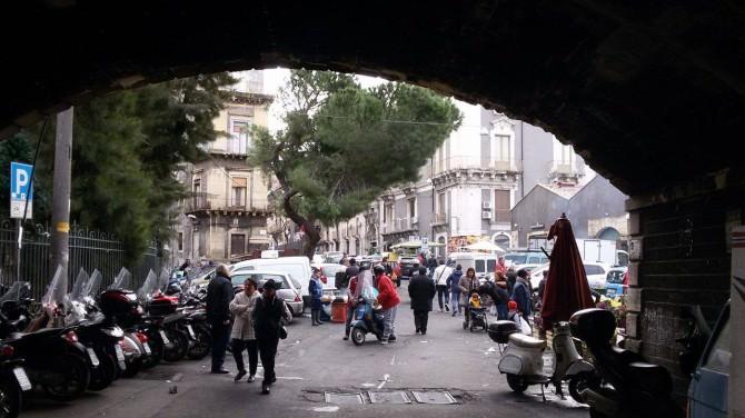 """Chiusura di via Dusmet: l'indignazione dei catanesi: """"Il sindaco ci ha abbandonati"""". I VIDEO"""