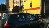 Palermo, camion Fortè impantanato blocca la circolazione in piazza Ziino