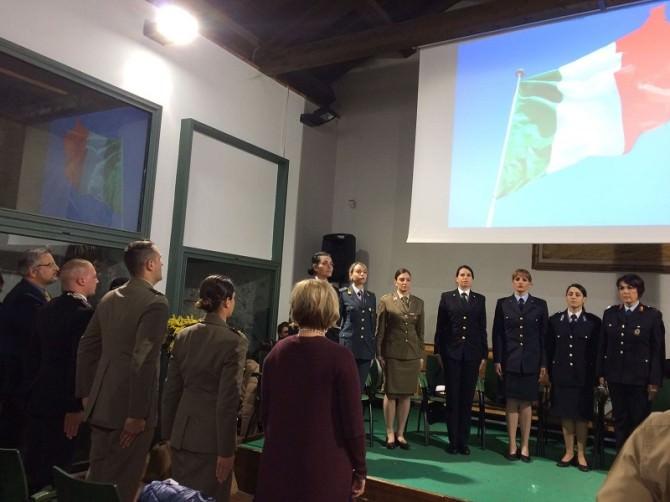 Confronto fra le donne occupate nelle forze di polizia italiana e le colleghe statunitensi