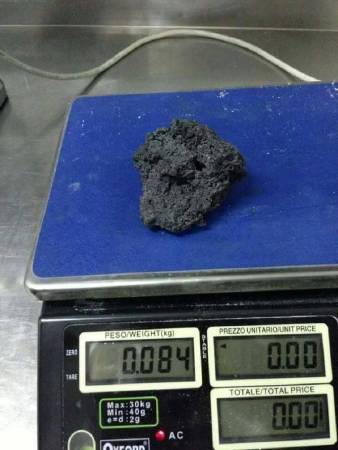 Pezzi di cenere vulcanica come sassi, ecco come si sono svegliati i comuni alle pedici dell'Etna
