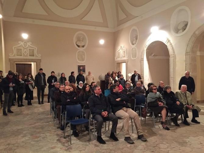 """Sala gremita per la mostra """"Michelangelo Vizzini-Messina in bianco e nero"""". LE FOTO"""