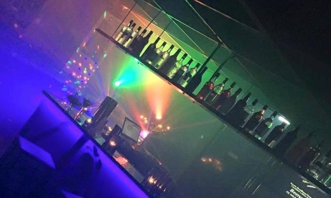 Locale notturno movida bar