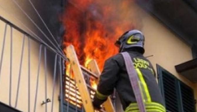 Albergheria, a fuoco un appartamento. Quattro intossicati