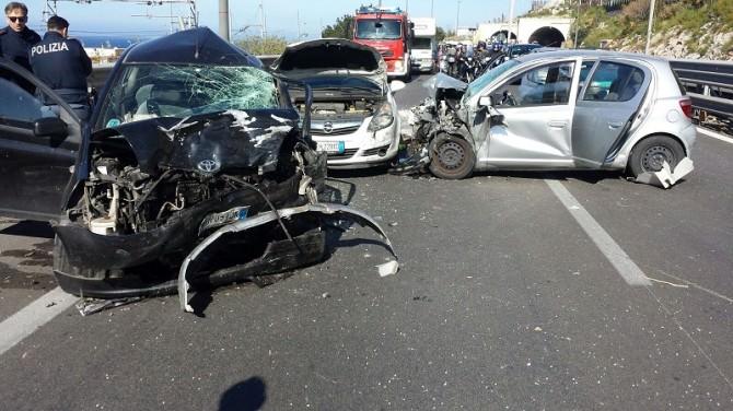 Incidente sulla Palermo-Mazara del Vallo, 4 feriti tra cui una giovane incinta