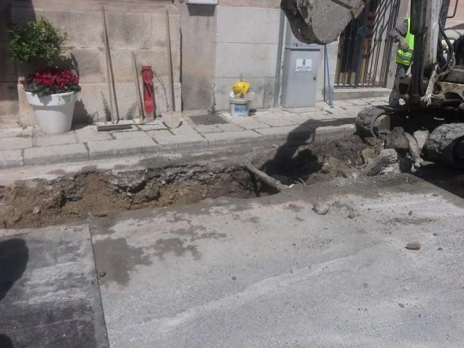 Ragusa: lavori in corso per il  completamento della rete idrica di via S.Anna  e per il il rifacimento di quella di via Forlanini