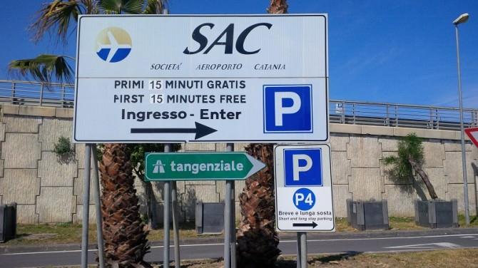 segnaletica direzione parcheggio P4