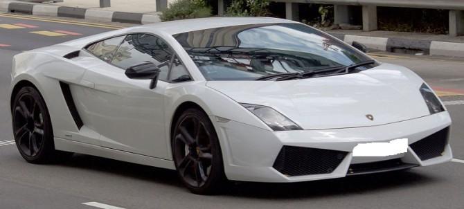 2010_Lamborghini_Gallardo_(L140)_LP550-2_coupe_(2016-01-05)_01