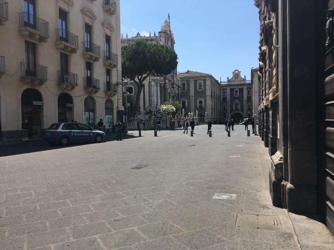 """""""Husbands and ladies"""" a Catania: """"porte sbarrate"""" ovunque, ma la gente lo sa?"""