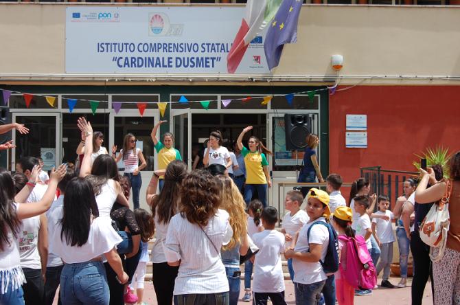 """Festa di fine anno 2016-17 alla """"Dusmet-Doria"""""""