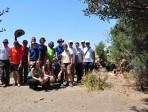 """Studenti a lezione di """"geologia"""" sull'isola Lachea"""