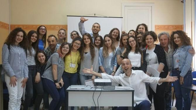 clown dottori con studentesse liceo di Modica
