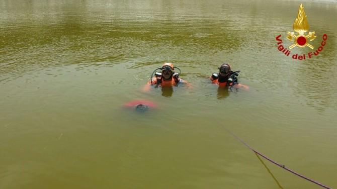 Catania, trovato in acqua corpo senza vita di un pastore. Le FOTO