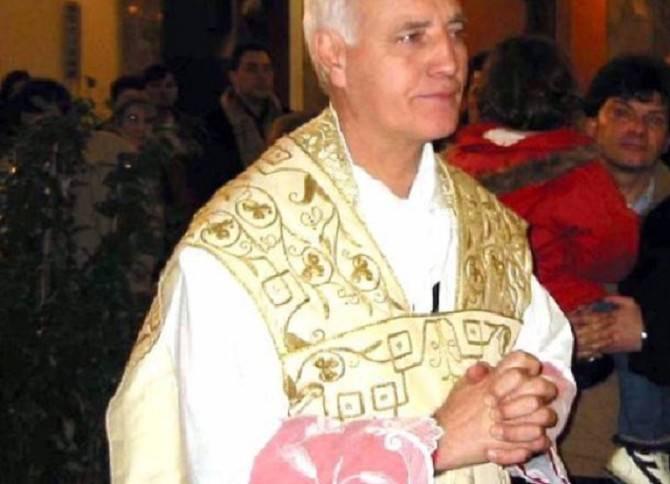 Palermo: prete condannato per pedofilia, ritorna a celebrare la messa