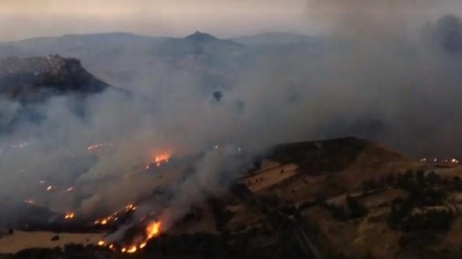 Emergenza in Sicilia, fiamme da Trapani a Enna e Messina