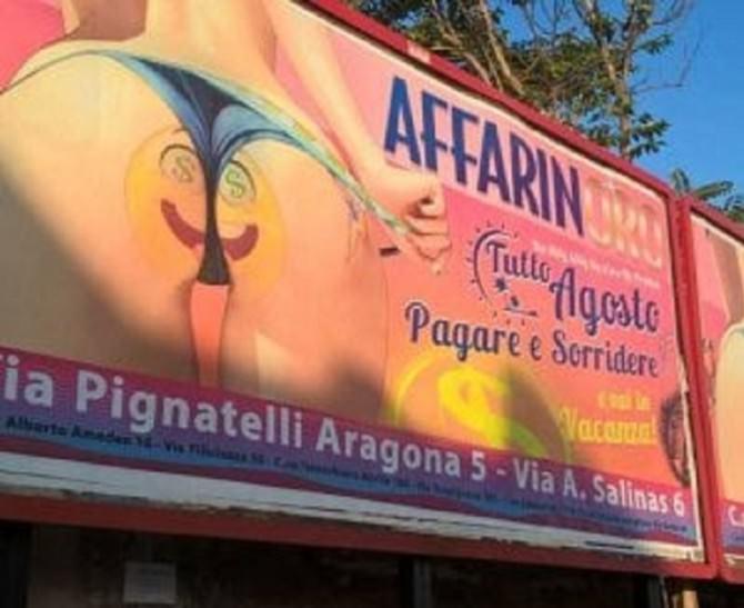 """A Palermo una pubblicità sessista fa scalpore, bufera su un manifesto di un """"compro oro"""""""