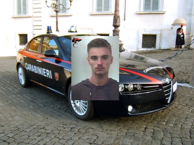 Tenta di dare fuoco alla vicina, arrestato diciannovenne