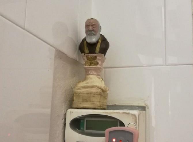 Rubano energia elettrica affidandosi a Padre Pio, due denunce ad Alcamo