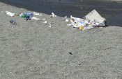 Ferragosto, Recanati si sveglia tra l'immondizia e l'acqua sporca. FOTO