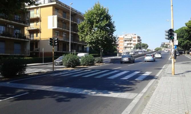"""Circonvallazione e zone limitrofe, """"serve un piano per garantire sicurezza ai pedoni"""". LE FOTO"""