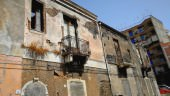 """Spazzatura, topi e rischio crolli in via Volturno, Buceti: """"Cosa aspetta l'amministrazione comunale per intervenire?"""""""
