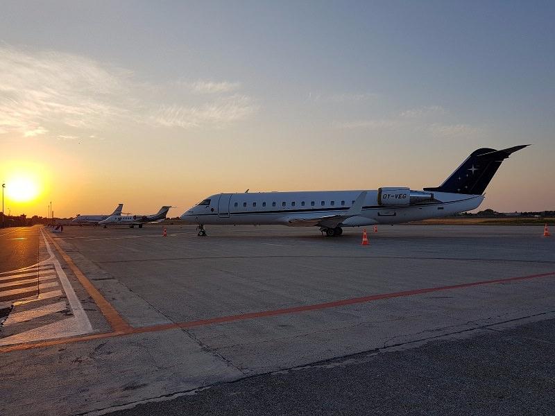 SAC, Bombardier (Canadair) CRJ 200 sul piazzale dell'Aeroporto di Catania (agosto 2017)