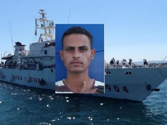 Immigrazione: ad Augusta nave con superstiti naufragio